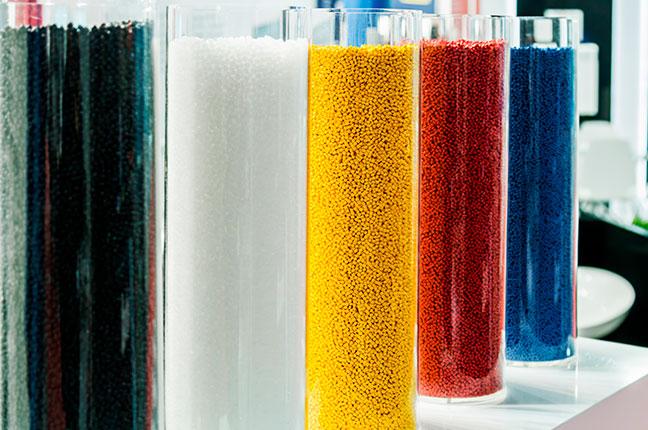 resinas termoplásticas coloridas